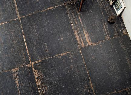 Interesting black floor. Ceramica SantAgostino - Blendart  Im Floo...