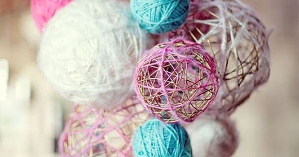 yarn chandeliers - cheap craft but huge effect - cute for kids