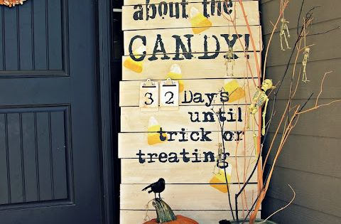 Halloween Decorations | Front Porch Decorating Ideas | Count Down to Candy