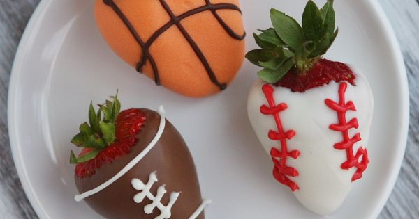 Sports dipped strawberries. Great Ida for a boy's party or snack time