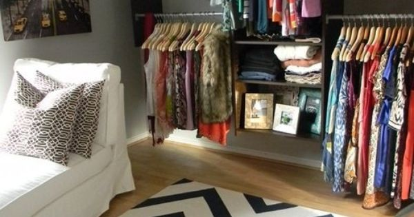How to turn a small bedroom into a dressing room offices - How to turn a bedroom into a closet ...