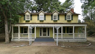 Locations Famous Houses Walton House Gilmore Girls Dragonfly Inn