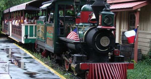 The Original Six Flags Railroad Train Ride General Sam Houston Still In Operation At Six Flags Over Texas In Arl Six Flags Over Texas Six Flags Kings Island