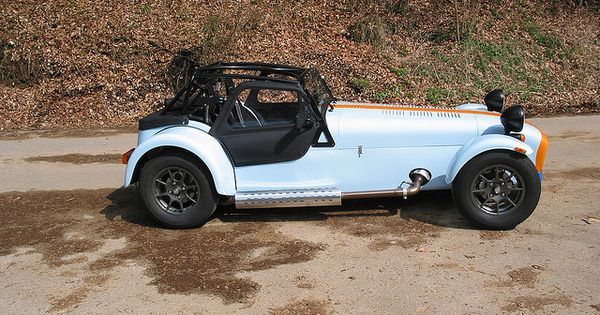 Caterham 7 gulf colors dream garage pinterest photos for Garage jeep luxembourg