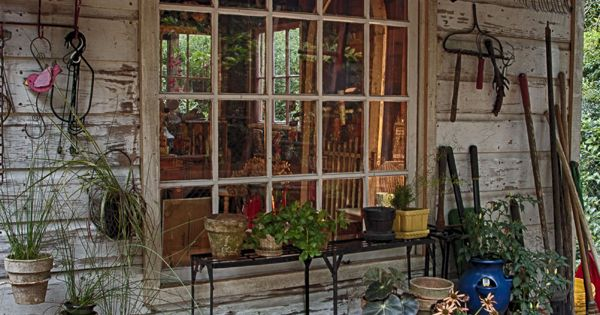 Jenny's adorable, decorated garden shed | Living Vintage ...