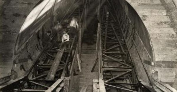 Construction Of Escalators London Underground 1926 Black And White Building Underground London Underground