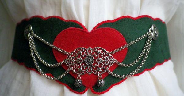 Elegant, vintage looking chains on this wonderful dirndl costume belt. Chain idea