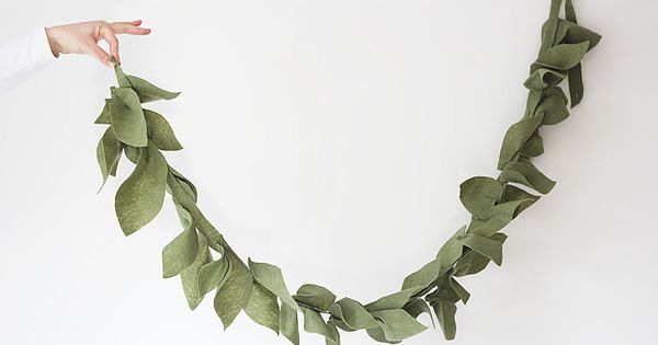 DIY--- Felt Leaf Garland--- So easy to do. Great project for teaching