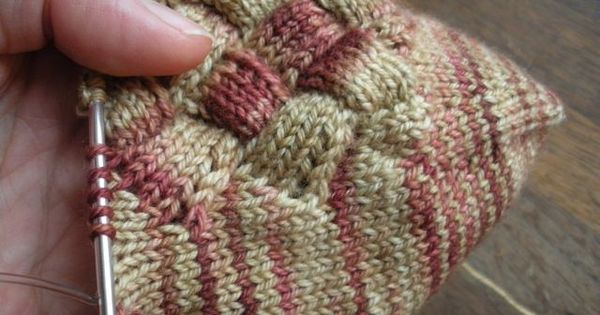 Knitting Personality Quiz : Free pattern for entrelac socks crochet knitting