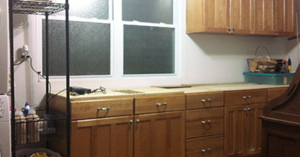 Using old Kitchen Cabinets in the garage is alwasy a good idea ...