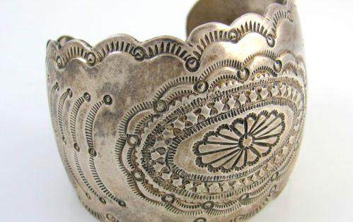 Bijoux American Vintage : Vintage navajo hand stamped sterling silver cuff bracelet