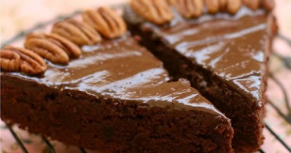 Holiday cakes, Chocolate rum cake and Rum cake on Pinterest