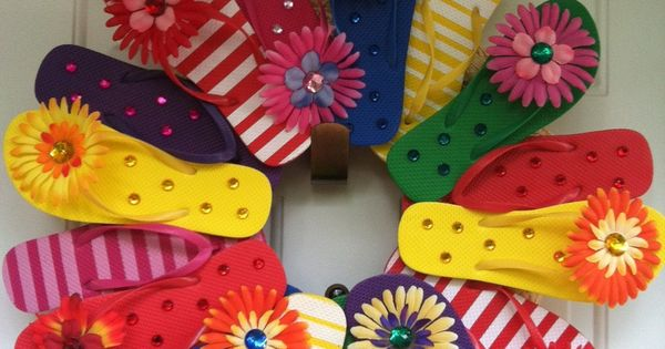Flipflop wreath? Adorable and Dollar Store affordable...
