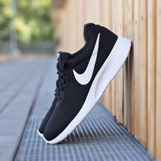 Nike Tanjun black – Sneaker für Herren – bei Deichmann ...