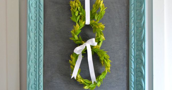 How to make a Spring Easter bunny boxwood wreath. bunny easter wreath