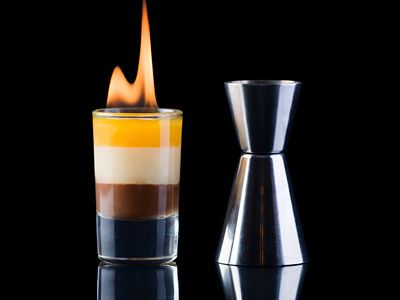 Flaming B 52 Shot Drink Recipe Easy Safe And Fun To Drink Cocktail Resep