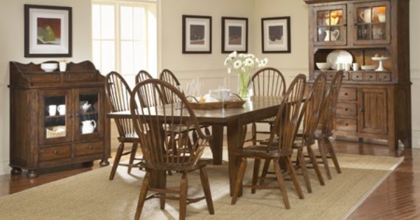 Broyhill Attic Heirlooms Dining Table China Cabinet And
