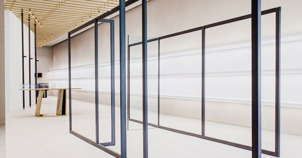 Jil Sander Berlin Store by Andrea Tognon Architecture.  복도, 거실 및 아이디어