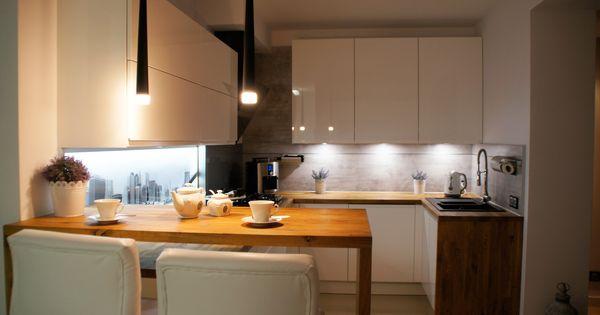 Znalezione Obrazy Dla Zapytania Biala Kuchnia Polysk Z Drewnianym Blatem Home Decor Breakfast Bar Furniture