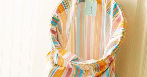 Martha stewart embroidery hoop and fabric or pillow case - Porta banana ikea ...