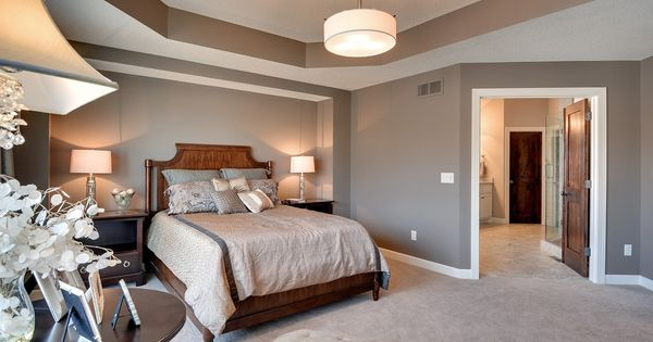 Traditional master bedroom found on zillow digs new - Attractive zillow home design ...