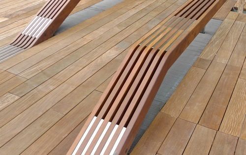 Timber benches at the High Line in New York City by James