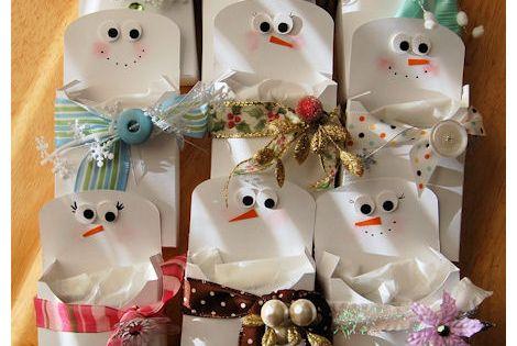 So cute snowman treat pouches plus site has lots of for Snowman pocket tissues