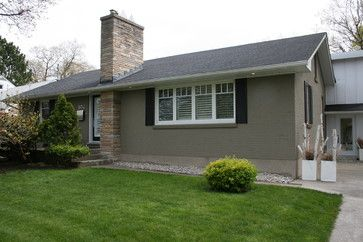 My Houzz Minimalist Midcentury Bungalow In Canada Cinder Block House House Exterior Exterior House Colors