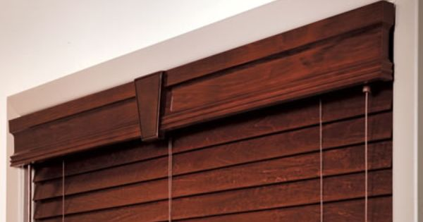 Wood Cornice With Keystone Connector In The Middle With 1