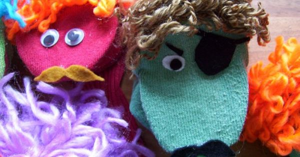 Easy No-Sew Sock Puppets Tutorial. Repinned by Kidlutions. For all of our