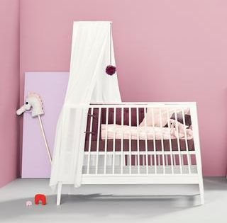 Hochwertige Schone Babyzimmer Online Kaufen Kidswoodlove In 2020 Babybett Kinderzimmer Weiss Babybetten