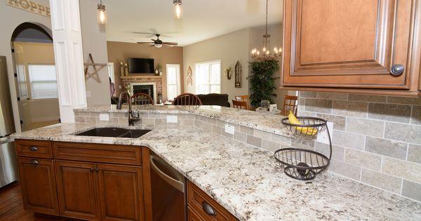 White Granite Color Paired With Medium Maple Cabinets And Travertine Back Splash Granite Countertops Kitchen Maple Kitchen Cabinets Maple Cabinets