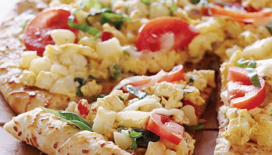 Breakfast pizza, Pizza and Hash browns on Pinterest