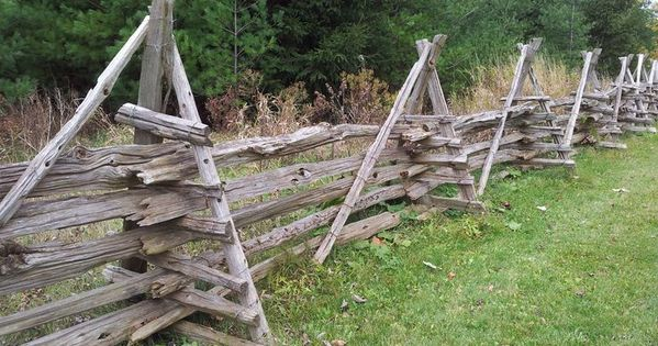 13 Wonderful Garden Fencing Concrete Posts Ideas Cinder Blocks In 2020 Rustikaler Zaun Bauernhof Zaun Gartenzaun Ideen