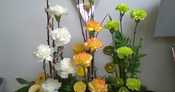 Wedding Flowers In Keighley : Circular parallel flower arrangements google search
