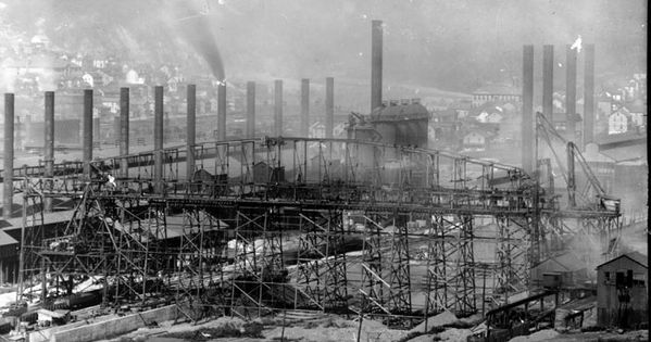 Number 7 Blast Furnace : Photograph of blast furnace no in the conemaugh