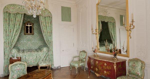 Pin by beth gilmore on les appartements de madame de for Le pere du meuble furniture