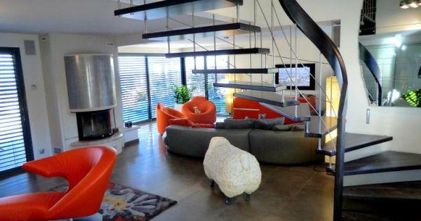 Petits espaces : un escalier gain de place pour mon intérieur  Lieux ...