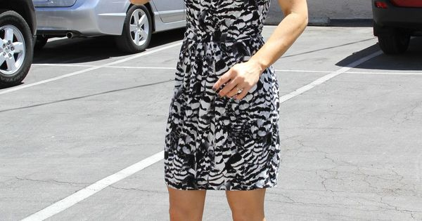 Danica Mckellar Grabs Lunch With Val Chmerkovskiy After: Candace Cameron Http://sizlingpeople.com/wp-content