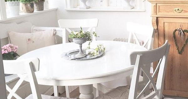 Salle manger style shabby chic http www m for Table a manger suedoise