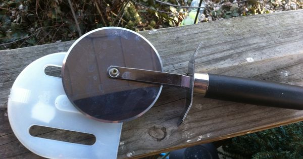 99 Pampered Chef Large Pizza Cutter With Blade Cover