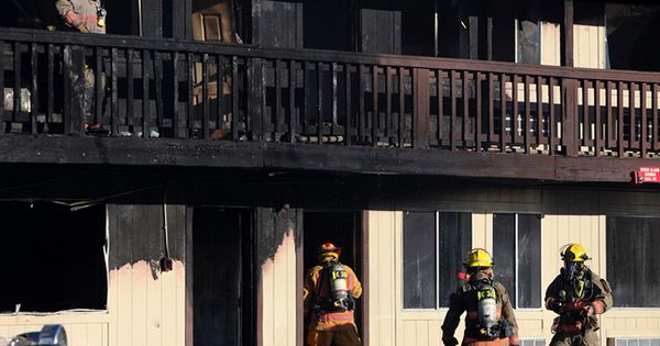 localweeklypaper: 1 person injured, 32 apartments damaged in Harmon Avenue blaze: The Clark County Fire Department responded to a south valley apartment fire Wednesday that damaged 32 units and injured one person. http://mpqr.com/2fnews2flas-vegas2f1-person-injured-32-apartments-damaged-harmon-avenue-blaze3f3d1357320