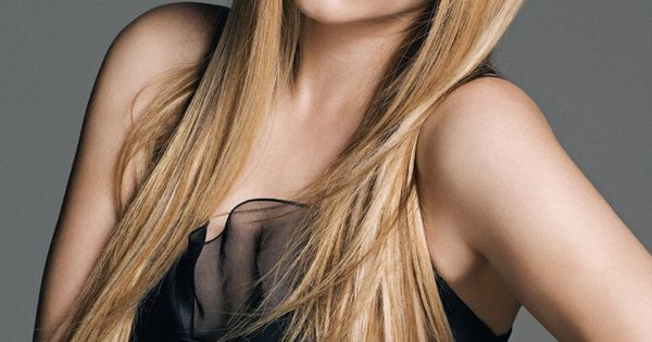 Avril Lavigne Long Layered Hair With Bangs Hair Make Up Amp Nails Oh My Pinterest Long
