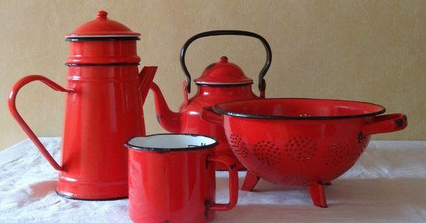 vintage ancienne cafeti re bouilloire email rouge cadeau passoire pot d coration. Black Bedroom Furniture Sets. Home Design Ideas