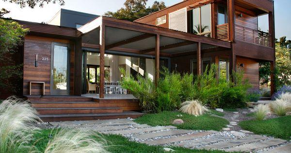 maison contemporaine en bois maison bois pinterest jardins impressionnant et design. Black Bedroom Furniture Sets. Home Design Ideas