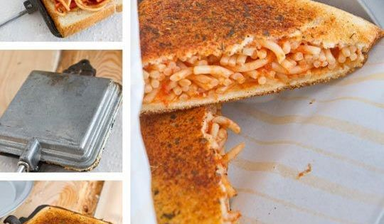 Garlic bread, Spaghetti pie and Recipes on Pinterest