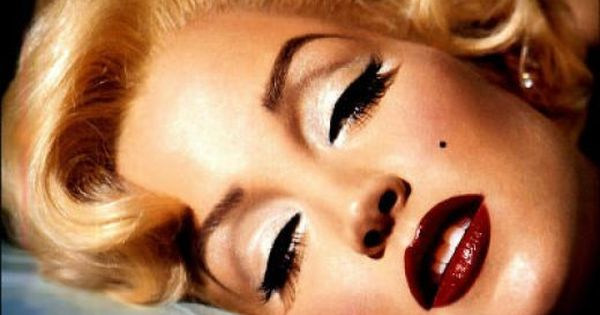 Retro makeup - elegant & stylish. Marilyn Monroe. Adore.