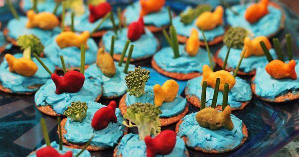 Cute idea for kid's snacks or a beach party