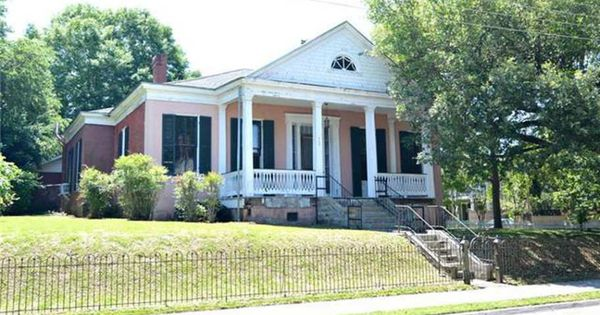 1865 Greek Revival Natchez Ms 195 000 Old House Dreams Historic Homes For Sale Old House Dreams Greek Revival