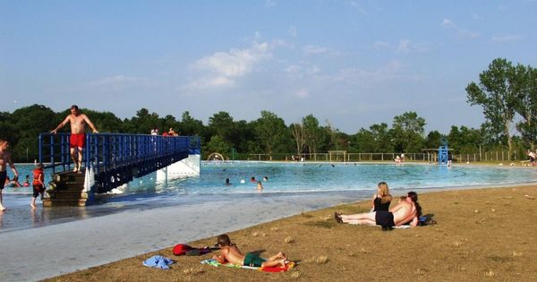 Ontario 39 s southwest byng island park largest outdoor - Swimming pools in hamilton ontario ...